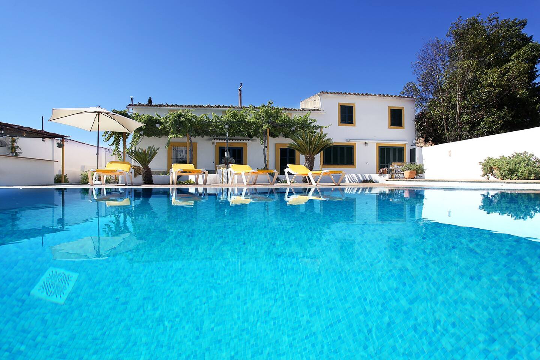 Sunny Villa with Pool, Garden & BBQ