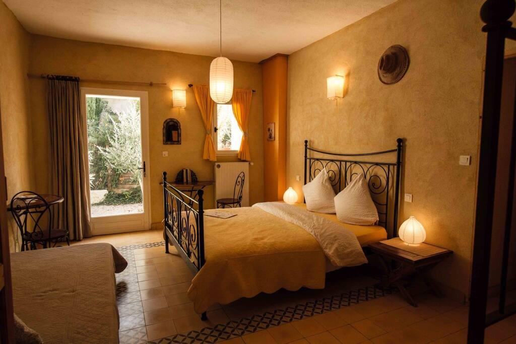 Chambres aux parque du verdon chambres d 39 h tes louer - Chambre des experts immobiliers de france ...