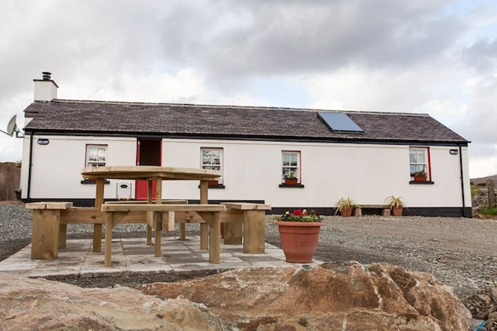 Luxurious Cottage in the Mourne Mts - Rostrevor - Casa