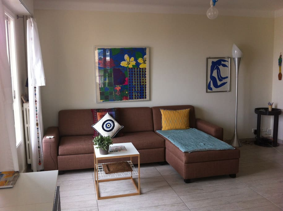 Living room, sofa opens to a bed (160x190cm)
