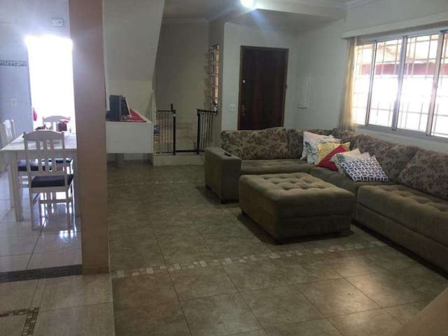 Casa Ideal para famílias ou grupo empresarial