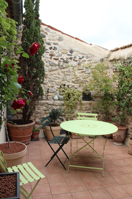 La maison sur la place 2 pers bed breakfast in affitto a ceyras l - La maison sur la place ...