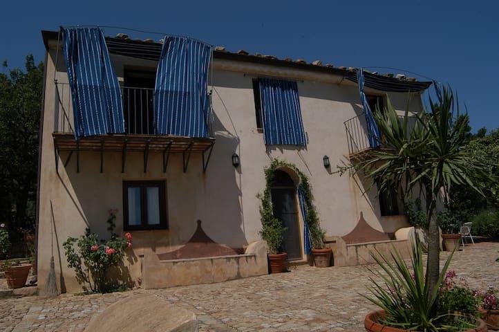 Villa Antonia - Castelbuono - วิลล่า