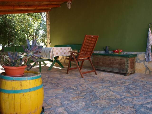 Peaceful private house in Kaštel Novi