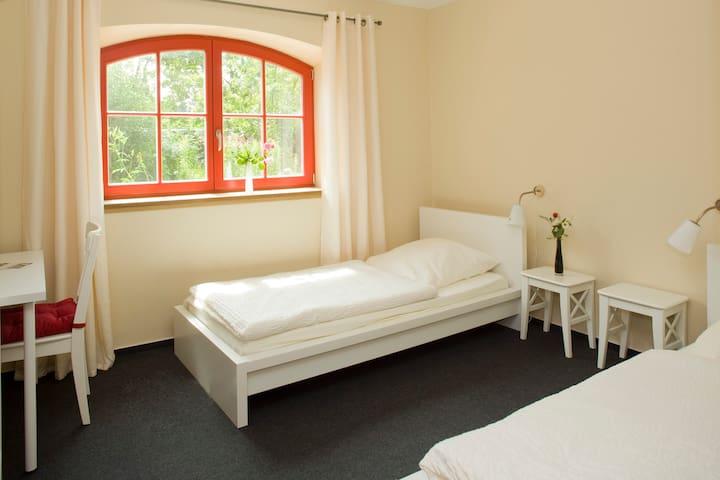 Zweibettzimmer 201, Fahrradgarage - Fürstenberg/Havel - House
