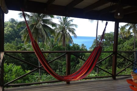 Mango Lodge - secluded ocean view timber cottage - Portsmouth - Huis