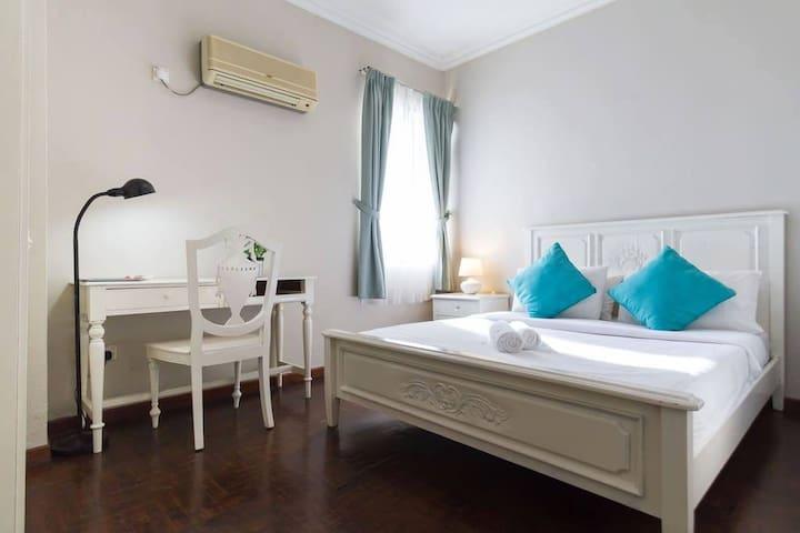 Century Bay Suites 2BR 01