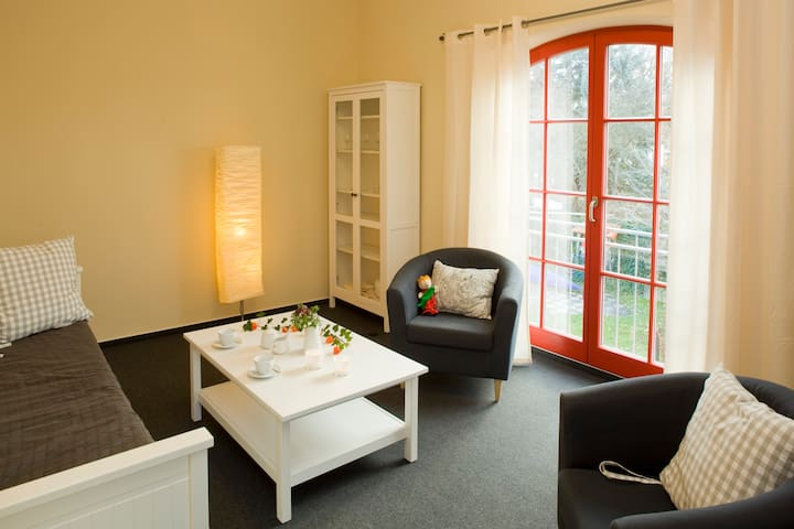 Suite 216. Schlaf- und Wohnzimmer - Fürstenberg/Havel - Wohnung