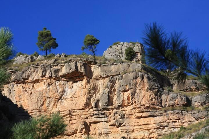 Chulilla climbing 1, compleet flat, 4 pers=27€