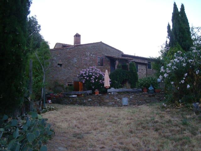 House in natural reserve - Monte Benichi, comune di Bucine - House