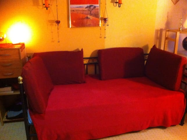 cosy room centrally located!