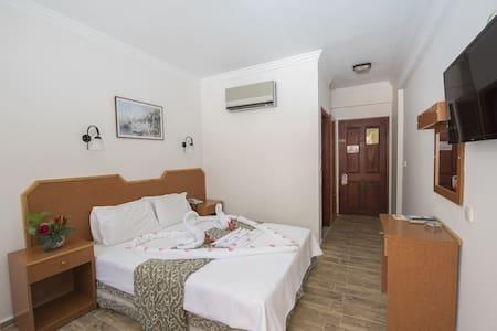 Belcehan Beach Hotel Double Room
