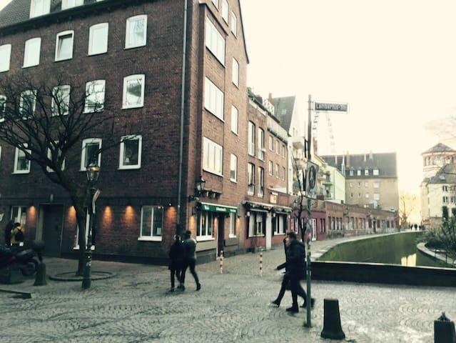 Im Herzen der Düsseldorfer Altstadt - Düsseldorf - Appartement