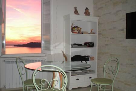 La finestra sul mare - 莱里奇 - 公寓