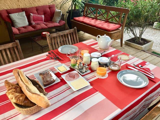 "Petit Déjeuner Complet - Continental ""Home Made"" ..."
