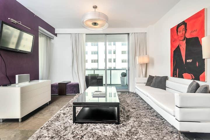 Luxury 1 Bedroom pool, balcony, beach access