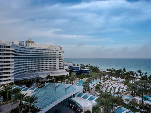 JSuite at the Fontainebleau hotel in Miami Beach ! - Miami Beach - Apartament