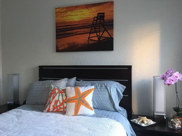 Comfy Private Room/Bath Near Beach - Jacksonville Beach - Apartment