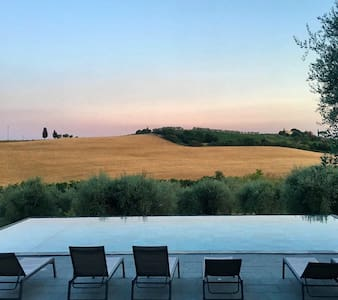 Flat for 2 in Florence countryside pool & garden