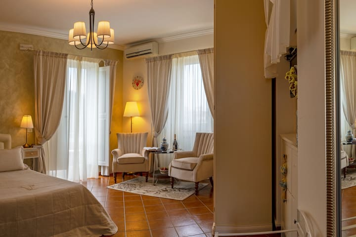 Natali room (in Villa Concetta), Sorrento center