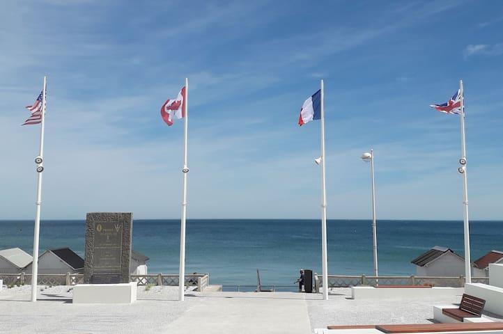 Appartement de pêcheur devant la mer à Luc sur Mer
