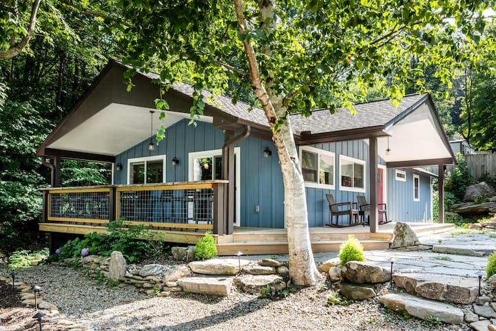 Newly Listed Mountain Retreat on Reems Creek!