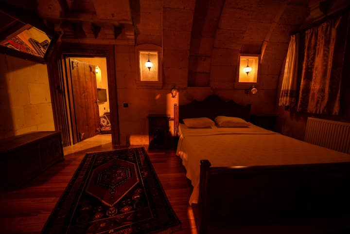 Arched Suite @ Vineyard Cave Hotel