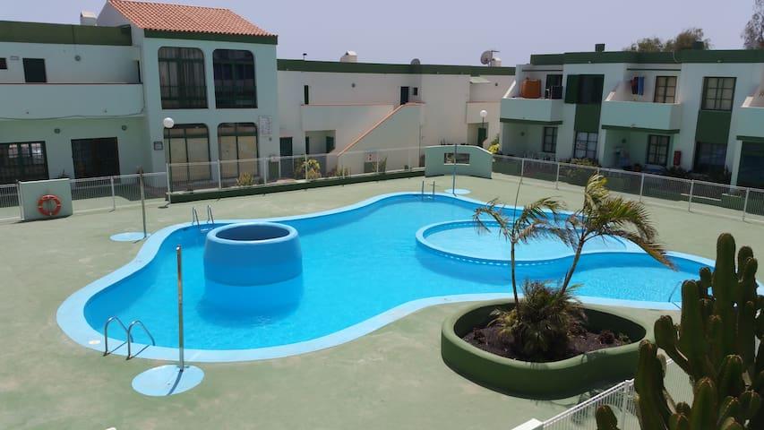 Apartament clean, calm, wiffi, pool - Parque Holandés - Leilighet