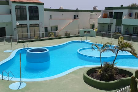 Apartament clean, calm, wiffi, pool - Parque Holandés