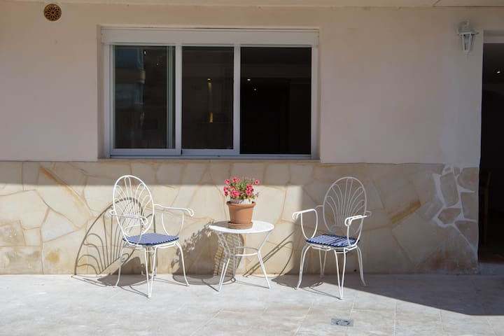 Sunny apartment near Cala Mayor Beach