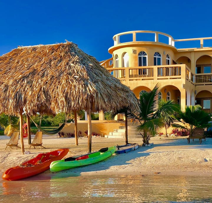 8BR Private Villa On the Caribbean Beach, Pool