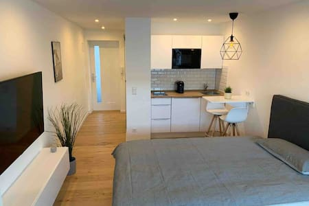 Neu saniertes Apartment in S-Feuerbach mit Balkon