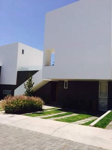 Comoda casa en El Mirador - Santiago de Querétaro - Haus