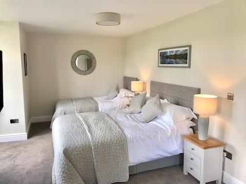 Przestronny pokój trzyosobowy z niesamowitym widokiem - Ambleside