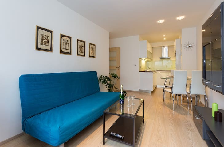 APARTMENT 4YOU 4 GUESTS  + 20 min city center