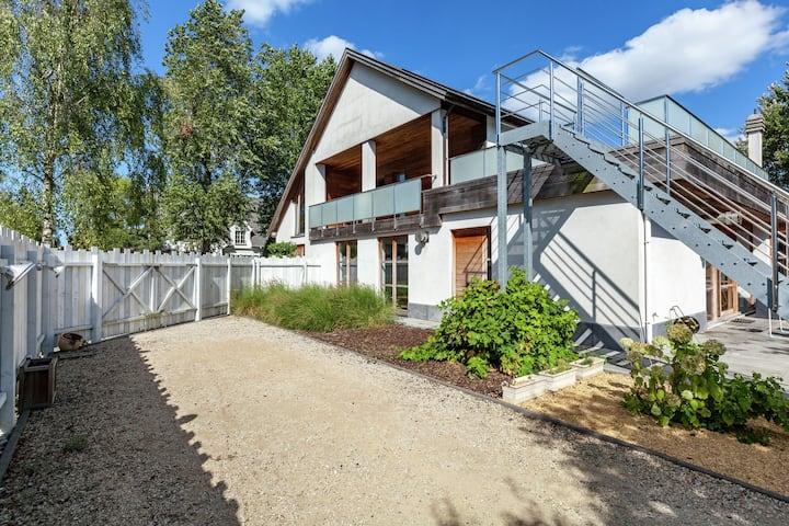 Elegant Villa in Koksijde with Swimming Pool, Roof Terrace
