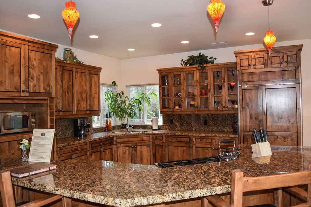 Well equipped Kitchen is great for entertaining
