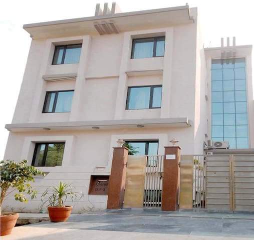 Ur Go 2 NEST, 2 relax & work in style @ Delhi NCR