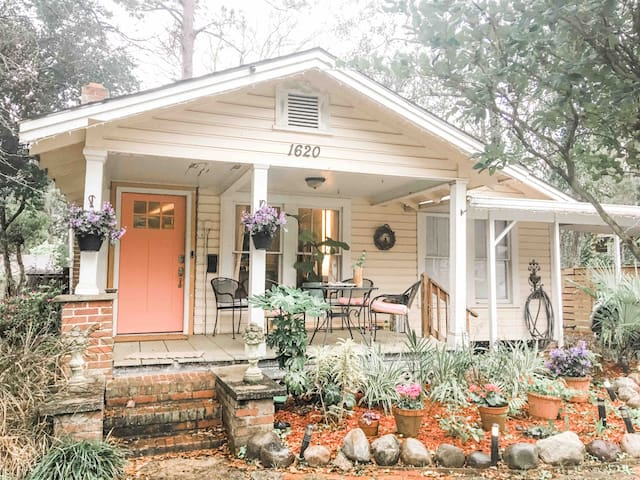 Central Tallahassee Cottage