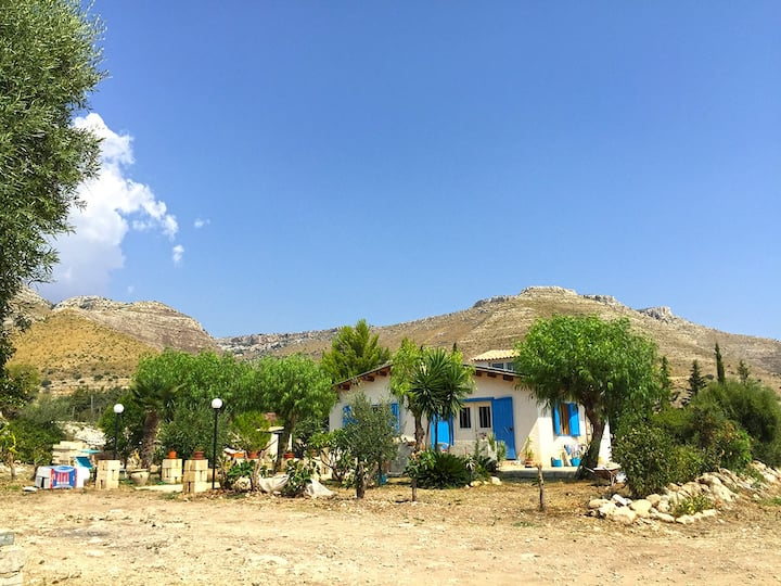 Peaceful rural house Stone Paradise