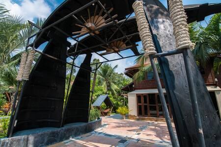 Suankaew Art Cottage (ReuanChokaew)