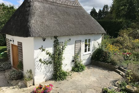 The Little Barn, a luxury thatched studio for two.