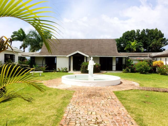 La Solana Villas- Villa A