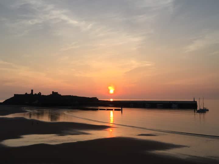 Peel - Fantastic Sea View, 2 Guests
