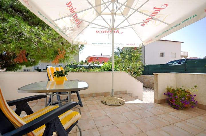 Studio Apartment, seaside in Okrug Gornji (Ciovo), Terrace