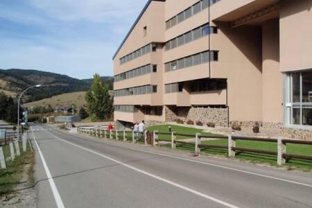 Ideal para disfrutar de la naturaleza y deportes - Alp - Apartment