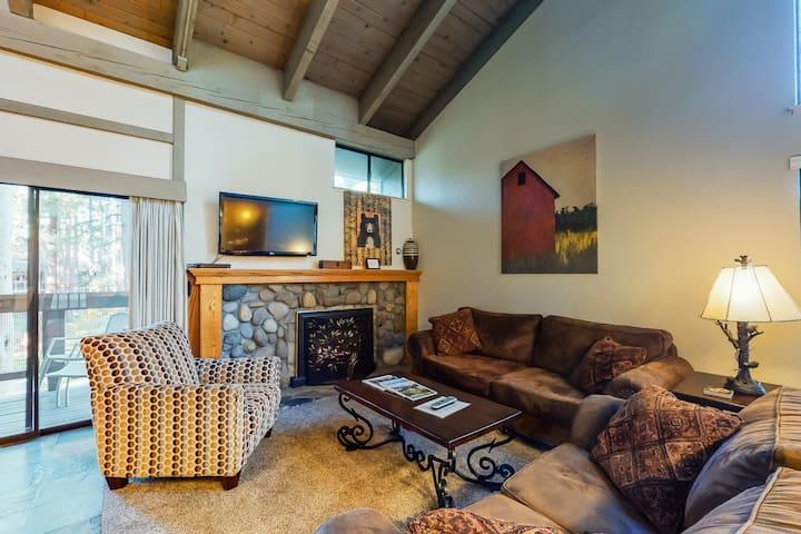 Lakeside condo w/ free WiFi & a gas fireplace plus a shared pool & hot tub