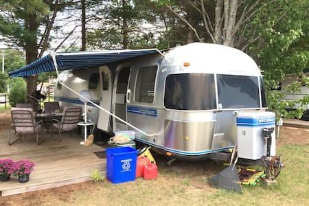 Vintage Airstream on the coast. - Edgecomb - Camper/RV
