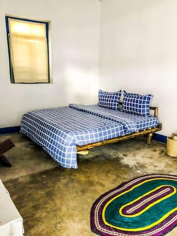 SunnyDays Apartment King Room