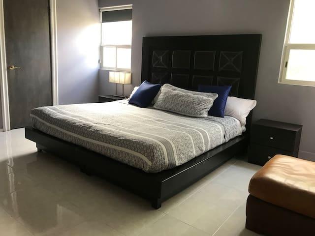 Suite cómoda y amplia en San Jerónimo